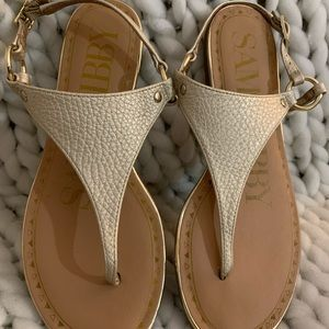 Great Condition Size 8.5 Sam & Libby Gold Sandals